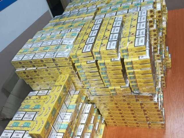 BÂRSANA - Aproximativ 3.000 pachete cu țigări de contrabandă, confiscate de către polițiști