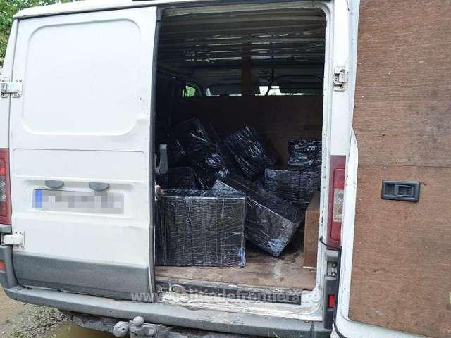 FOTO: ITPF SIGHET - Peste 15.000 pachete cu țigări de contrabandă confiscate de frontieriști