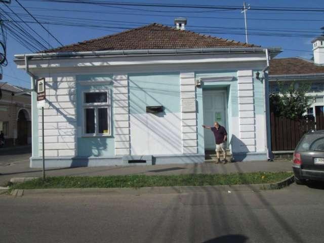 Primarul din Sighet, acuzat că este părtaș la vandalizarea Casei Elie Wiesel