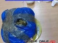 SIGHETU MARMAŢIEI: Bărbat, prins în flagrant în timp ce vindea aproape un kilogram de CANNABIS