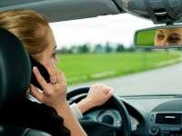Șoferi sancționați pentru folosirea telefonului mobil în timp ce se aflau la volan
