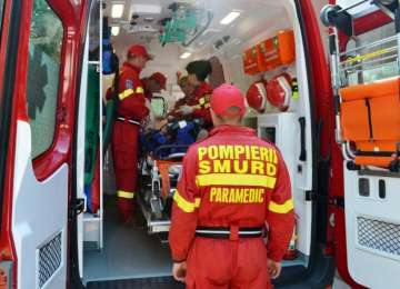 Soferița strivită sub autoturismul răsturnat între Lucăcești și Mireșu Mare a decedat
