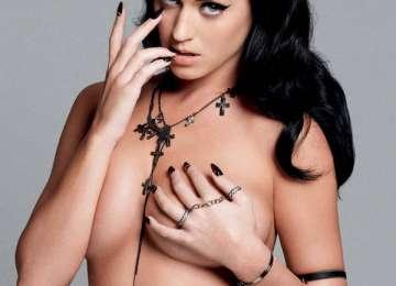 Solista Katy Perry vrea să se mute într-o mănăstire