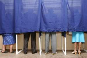 SONDAJ: 52% dintre românii cu drept de vot se declară interesați de alegerile europarlamentare