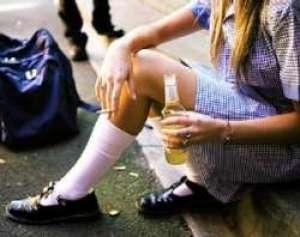 Sondaj: 5,4% din adolescenţii români se droghează