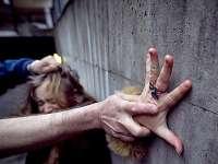 SONDAJ: Majoritatea românilor cred că pedepsele pentru viol sunt prea blânde și ar trebui mărite