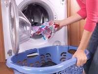 Spălarea lucrurilor la 60 de grade Celsius, recomandată persoanelor alergice la praful din casă