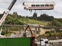 Spania: Mecanicul de locomotivă a fost avertizat în legătură cu apropierea curbei, în timp ce vorbea