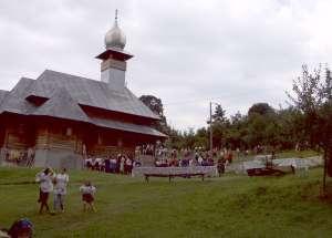 Stareţa de la mănăstirea ucraineană din Rona de Sus a fost scoasă de jandarmi din lăcaşul de cult