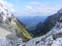 Strat de zăpadă aşternut la peste 2.000 de metri altitudine în Bucegi