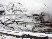 Strat de zăpadă de până la 10 centimetri pe Transfăgărășan; se circulă în condiții de iarnă