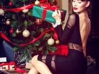 Studiu: 85% dintre români vor cadouri materiale sub bradul de Crăciun