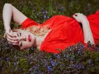 STUDIU: Articolele vestimentare roșii transmit agresivitate și sentimetul de dominație
