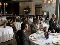 STUDIU: Mâncarea de la restaurant nu este cu mult mai sănătoasă decât cea de tip