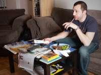 STUDIU: Oamenii care locuiesc singuri tind să mănânce mai puțin sănătos