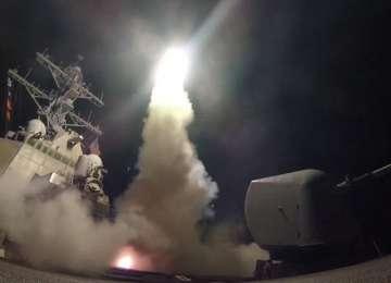 SUA au lansat peste 50 de rachete de croazieră contra unei baze aeriene din Siria