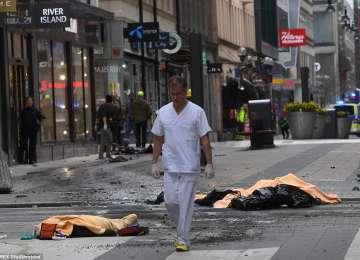SUEDIA – Un camion a intrat în mulțime, la Stockholm