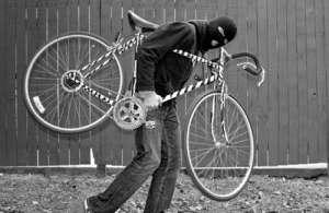 Suspecţi de furt de biciclete prinşi de poliţişti la Baia Mare şi Sighetu Marmaţiei