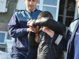 Tânăr din Moisei condamnat pentru comiterea infracțiunii de tâlhărie, încarcerat de polițiști