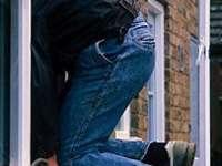 Tânăr din Rona de Sus reţinut pentru furturi din locuinţe