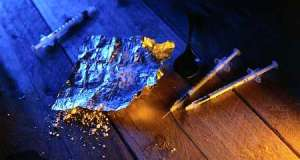 Tânăr din Vişeu de Sus condamnat pentru trafic şi consum de droguri