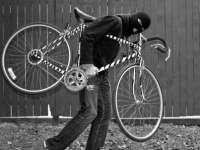 Tânăr prins în flagrant cu bicicletă furată
