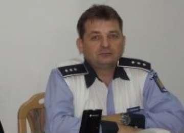 ȚARA NIMĂNUI - Şef de la Poliţie Rutieră, prins în trafic cu PERMIS AUTO FALS
