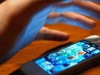 Telefon mobil furat, recuperat de poliţişti