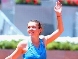 Tenis: Simona Halep, învinsă de Ana Ivanovic. Totuși, Halep se califică alături de Serena Williams în semifinale