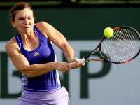TENIS: Simona Halep, învinsă de Serena Williams în sferturi la Indian Wells