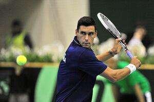 Tenis: Victor Hănescu, învins în sferturile turneului de la Doha