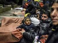 Țigani români, evacuaţi dintr-un imobil din Caen de către poliţiştii francezi