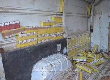 Țigări confiscate de polițiștii de frontieră înainte să ajungă pe piața neagră