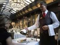 TOP 10: Cele mai frecvente moduri în care restaurantele îşi păcălesc clienţii
