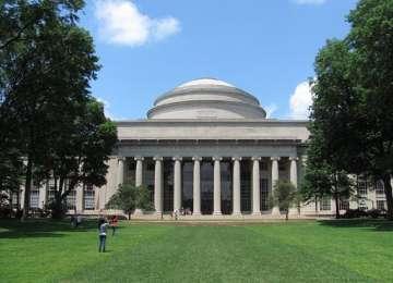 Topul celor mai bune universităţi ale lumii