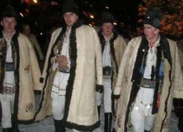 Tradiţia colindatului de ceată bărbătească în România şi Republica Moldova, înscrisă în patrimoniul UNESCO