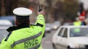 Trei accidente, trei răniţi şi 12 permise de conducere suspendate în weekend