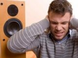 Trei băimăreni, amendaţi de jandarmi pentru că ascultau muzică la un volum ridicat