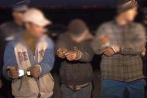 Trei bărbaţi din Dragomireşti, suspecţi în omorul bărbatului găsit pe un câmp