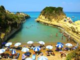 Trei din cinci turiști români aleg insulele grecești; 600 de euro de persoană, bugetul alocat