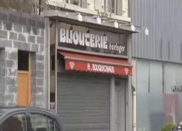 Trei români de etnie rromă, arestaţi în Franţa pentru jefuirea unui magazin de bijuterii