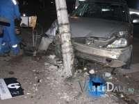 Trei victime după ce o mașină a ajuns într-un stâlp în Tăuți Măgherăuși