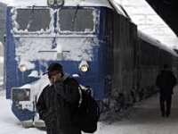 Trenul București - Sighet a rămas blocat mai bine de 10 ore în gara Câmpina