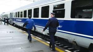 Trenul internaţional Brașov-Budapesta a fost oprit la Stânceni, după ce locomotiva a început să fumege