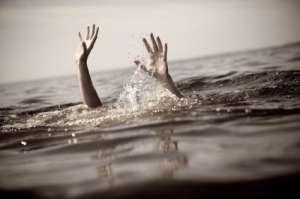 Trupul bărbatului înecat aseară în balastiera de la Mogoşeşti a fost găsit