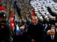 TURCIA - 137 de profesori universitari turci, suspectaţi de legături cu clericul Gulen, au primit mandate de arestare