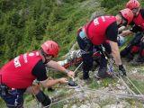 Turiști căzuţi în prăpastie în Făgăraș, pe Vârful Moldoveanu. Profesorul care însoţea un grup de studenţi a murit