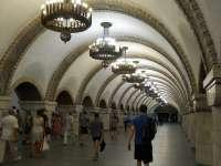 UCRAINA: Un bărbat a vrut să detoneze o bombă artizanală în metroul din Kiev