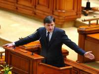 ULTIMA ORĂ: CRIN ANTONESCU a DEMISIONAT din funcția de Președinte al Senatului