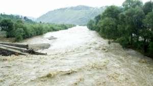 Ultimul bilanţ al inundaţiilor din Galaţi: În doar câteva ore, a plouat cât pentru doi ani; sute de oameni evacuați